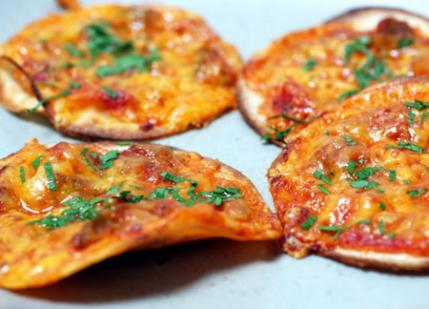after-school-snacks-tortilla-pizzas